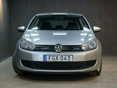 begagnad VW Golf TSI 122 DSG Style M+K värmare Lågmil V-Hjul