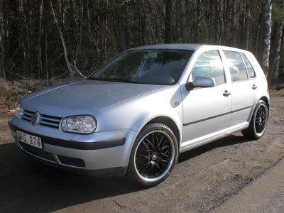 begagnad VW Golf 1.6 Kamrem bytt Servad Dragkr -01