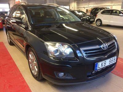 begagnad Toyota Avensis 2.0 D4D Kombi (126hk) Navigation årsskatt:3647:-