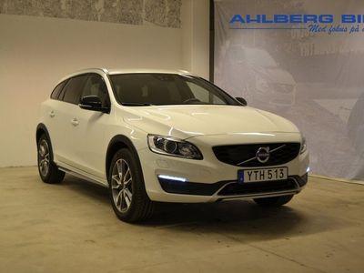 begagnad Volvo V60 CC D3 Classic Pro ader Adaptiv farthållare, Parkeringssensor fram bak, Klimatpaket On call, Navigation 2018, Kombi 244 500 kr
