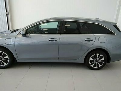 begagnad Kia cee'd CEEDSW 1.6 DCT Plug-In Hybrid Advance Plus