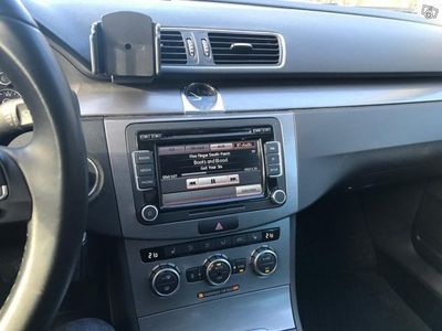 begagnad VW Passat 2,0 4M 170 DSG R-Line -13