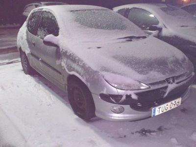 begagnad Peugeot 206 Skatt/bes reparationsobj -02