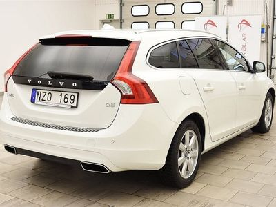 begagnad Volvo V60 D5 215hk SUMMUM / AUT / NAVI / SKINN