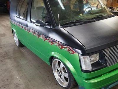 begagnad Chevrolet Astro med v8 skattefri -88