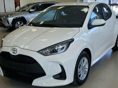 begagnad Toyota Yaris Nya 1.5 Active 2021, Halvkombi Pris 149 900 kr