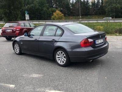begagnad BMW 320 i Advantage E90 t skick -07