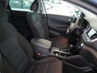 begagnad Hyundai Tucson 1.6 T-GDI 4WD DCT Euro 6 177hk -17