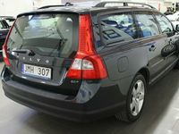 begagnad Volvo V70 2.0 F / 1 ÄGARE / KAMKEDJA / NYSERVAD / 145hk