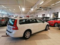 begagnad Volvo V70 2.0 Flexifuel Momentum Drag 145hk