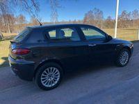 "begagnad Alfa Romeo 147 5-dörrar 1.9 JTDM 8V Distinctive 120hk""AVBET254KR"