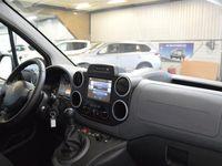 begagnad Peugeot Partner Skåp L1 Pro+ 100 hk LÅGSKATT