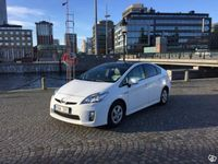 begagnad Toyota Prius 1,8 HSD Executive med taklucka -10