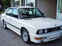 begagnad BMW M535 535 i E28. 1 ägare/7100mil. Org lack.