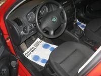 begagnad Skoda Octavia 2,0 FSI Elegance med drag 2006
