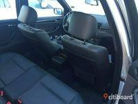 begagnad BMW 318 i 143Hk Touring Sportstolar Drag -05