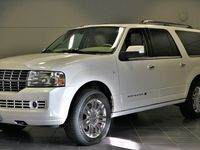 begagnad Lincoln Navigator L Limited Edition Machen 2010, SUV 259 000 kr