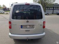 begagnad VW Caddy Maxi Life 2.0 TDI (140 hk) 4Motion DSG Sekventiell Vinter 7-sits