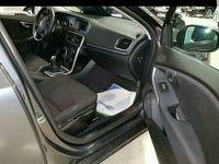 begagnad Volvo V40 5 dörrar kombi sedan D2 YOUR KINETIC II