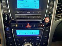 begagnad Hyundai i30 5-dörrar 1.6 CRDi 110hk