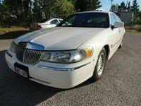 begagnad Lincoln Town Car Ececutive Series -01