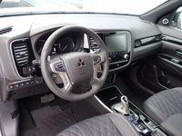 begagnad Mitsubishi Outlander P-HEV 2,4 Business Laddhy -20