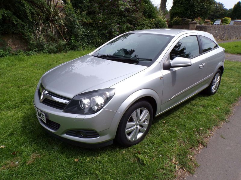 Sold Vauxhall Astra 1.6 i 16v SXi . - used cars for sale