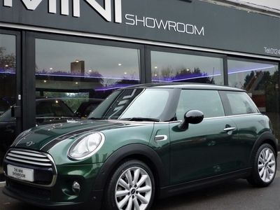 used Mini Cooper Hatch1.5 Chili / Media + SAT NAV + CONNECTED + PARK ASSISTANT 3dr