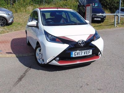 used Toyota Aygo VVT-I X-CLAIM 5 door hatchback funroof hatchback special editions