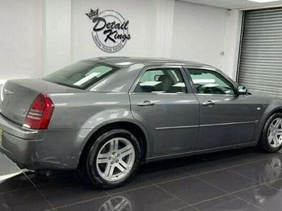 used Chrysler 300C 3.0 V6 CRD 4dr Auto - 1 Year MOT - Free Delivery!