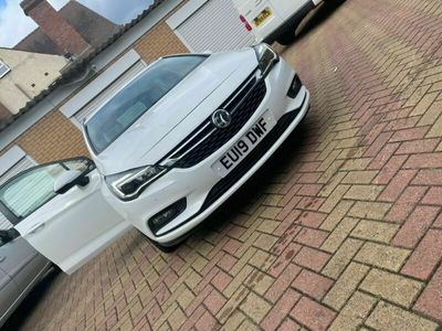 used Vauxhall Astra 1.6 CDTi BlueInjection Design Sports Tourer (s/s) 5dr