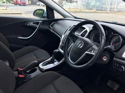 used Vauxhall Astra Hatchback 2.0 CDTi 16V SRi (06/12-) 5d Auto