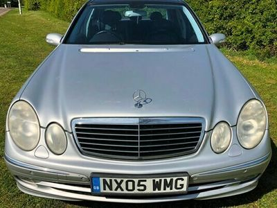 used Mercedes E320 E-Class SaloonCDI Avantgarde 4d Auto