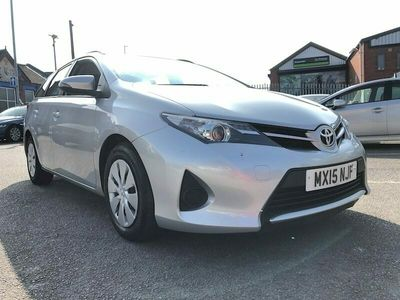 used Toyota Auris D-4D Active Touring Sports 5-Door EX MINISTRY OF DEFENCE, 1 OWNE