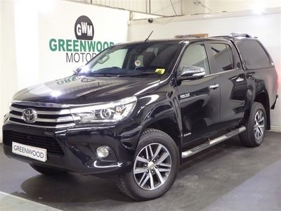 used Toyota HiLux 2.4 D-4D Invincible Double Cab Pickup Auto 4WD EU6 4dr (TSS, 3.5t) REAR CAM