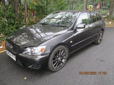 used Lexus IS200 2.0 LE 4dr