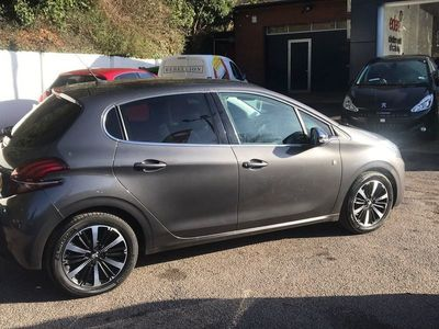 used Peugeot 208 2018 Wooburn Green 5dr Hat 1.2 Puretech 110 Tch Edn S/s