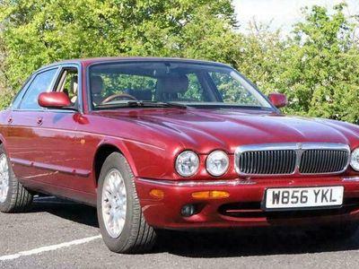 used Jaguar XJ Series 3.2 SOVEREIGN V8 4d 240 BHP
