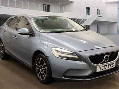 used Volvo V40 2.0 T2 MOMENTUM 5d 120 BHP
