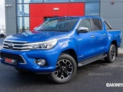 used Toyota HiLux 2.4 INVINCIBLE X 4WD D-4D DCB 4d 147 BHP