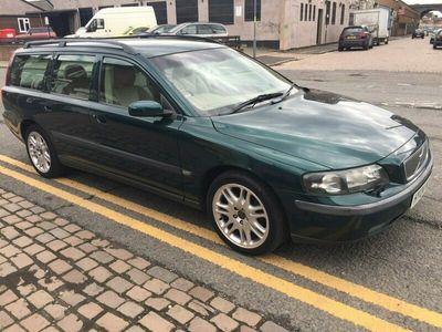 used Volvo V70 Estate 2.4 D5 SE 5d Auto