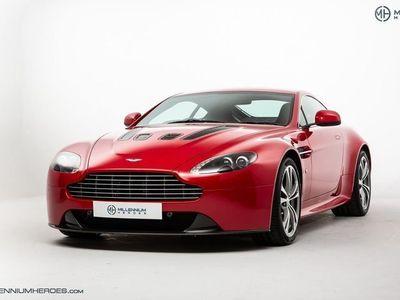 used Aston Martin V12 Vantage // MANUAL // SPECIAL ORDER FIRE RED // B&O SOUND // CARBON BUCKETS // UK RHD