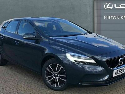 used Volvo V40 2.0 T2 GPF Momentum (s/s) 5dr