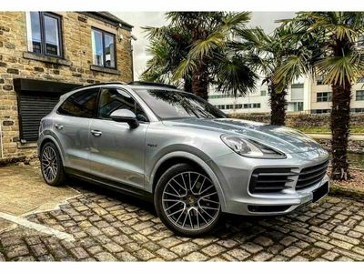 used Porsche Cayenne 3.0 V6 14.1kWh SUV 5dr Petrol Plug-in Hybrid Tiptronic 4WD (s/s) (462 ps)