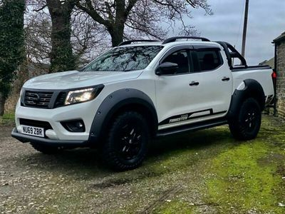 used Nissan Navara Brand new 2020 model Double Cab Pick Up N-Guard in stock with 5k style u 4-Door
