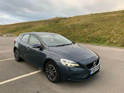 used Volvo V40 2.0 T2 Momentum (s/s) 5dr