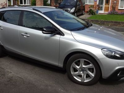 used Volvo V40 CC Cross Country 2.0 D3 Lux Nav (s/s) 5dr