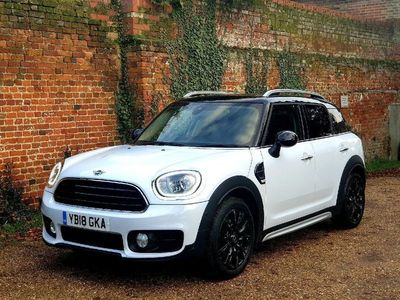 used Mini Countryman DT 150 Steptronic Auto Start-Stop Cooper. Nav. Heated seats. 2.0 5dr