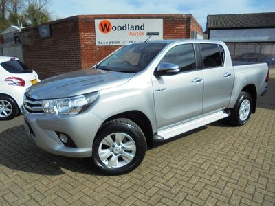 used Toyota HiLux 2.4 D-4D Icon Double Cab Pickup 4WD EU6 4dr (TSS, 3.5t)