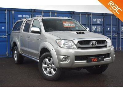used Toyota HiLux 3.0TD Invincible Crewcab auto